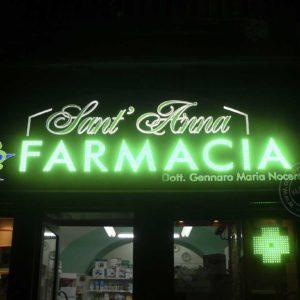 Scritta farmacia a led e plexiglass